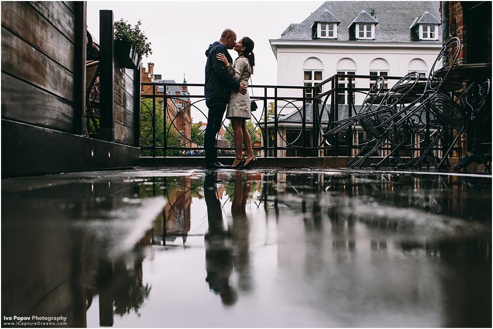 Kissing in Bruges