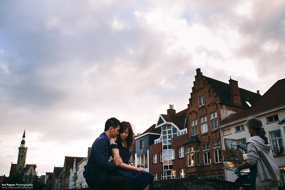 Romantic engagement session in Bruges