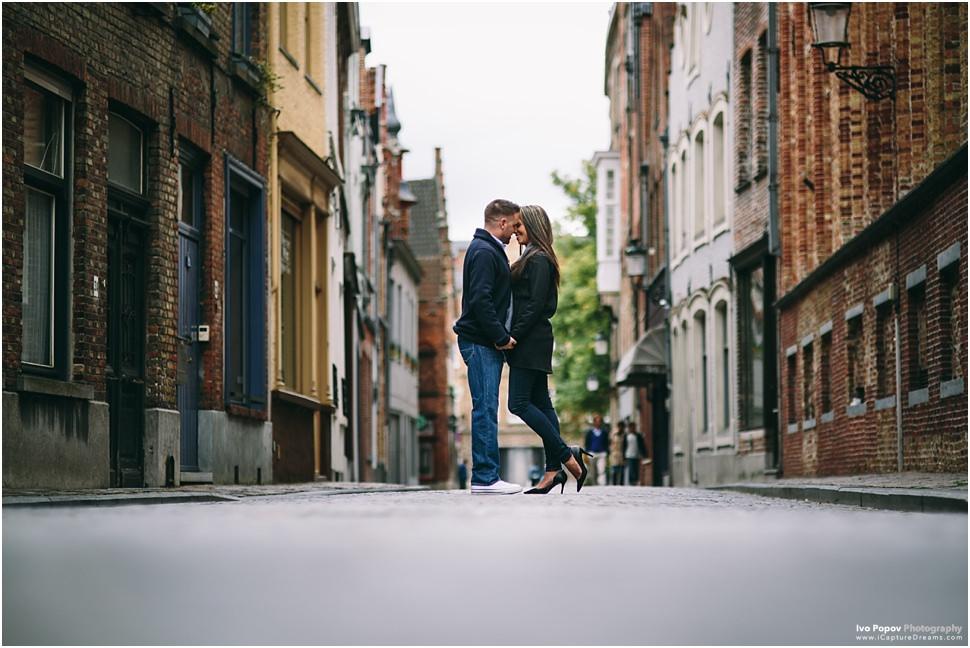 romantic photos in Bruges