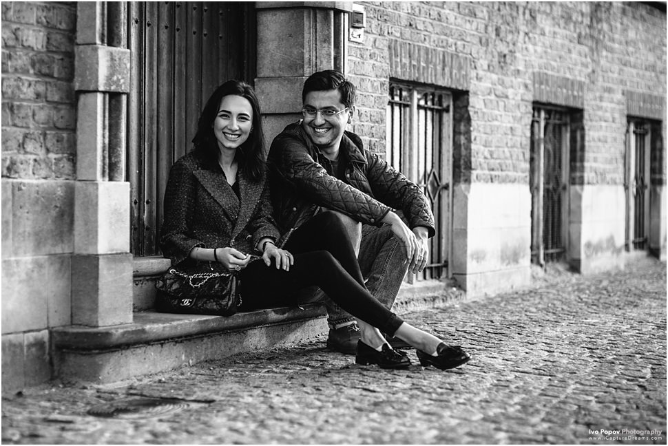 Black and White couple photos in Bruges