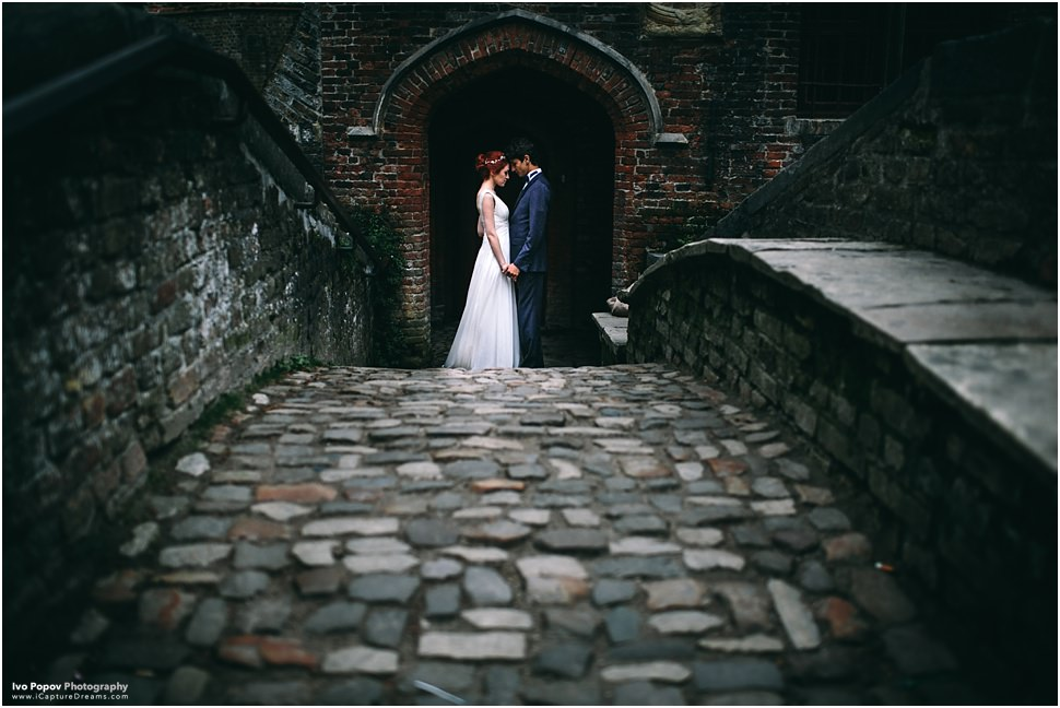 Mystical and romantic wedding photos in Bruges