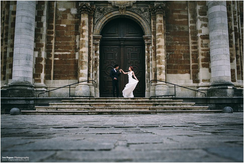 Gorgeous wedding couple in Bruges