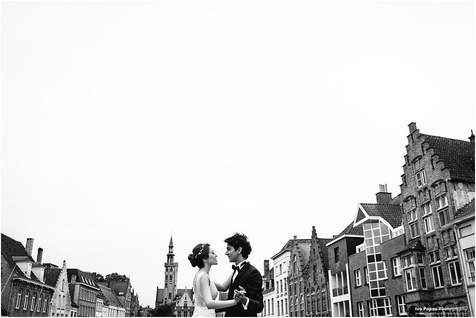 Wedding elopement in Bruges