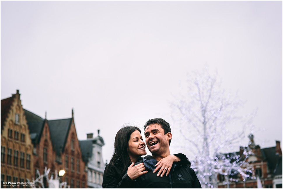 Romantic christmas photo session in Bruges