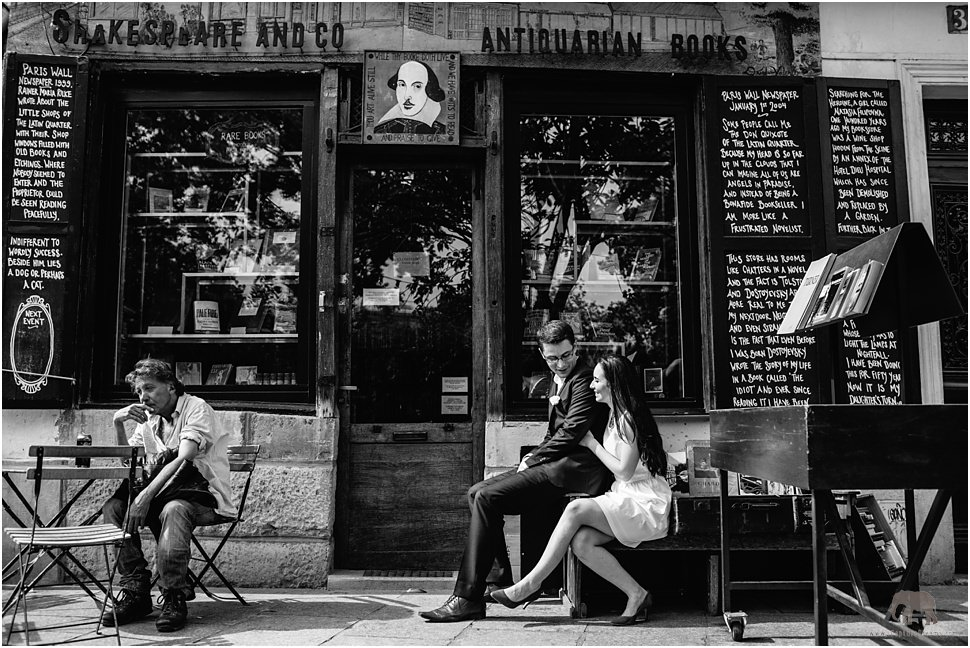 Romantic images in Paris - Shakespeare and Co