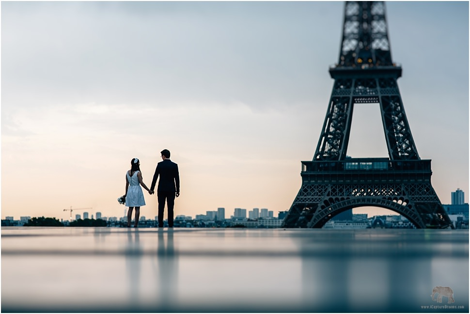 The eiffel tower engagement images