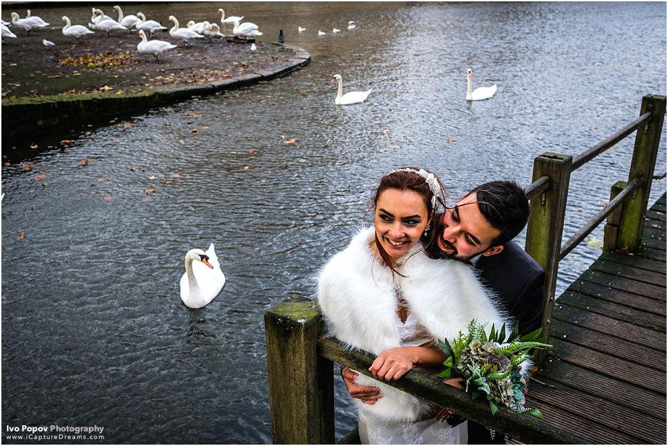 Photo session with doves in Bruges