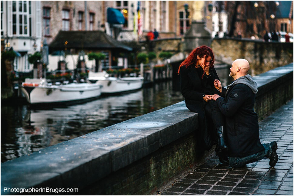 Wedding proposal in Bruges