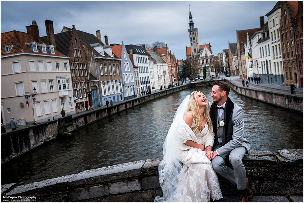 Winter elopement in Bruges