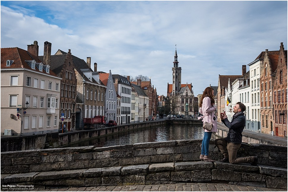 Surprise marriage proposal in Bruges