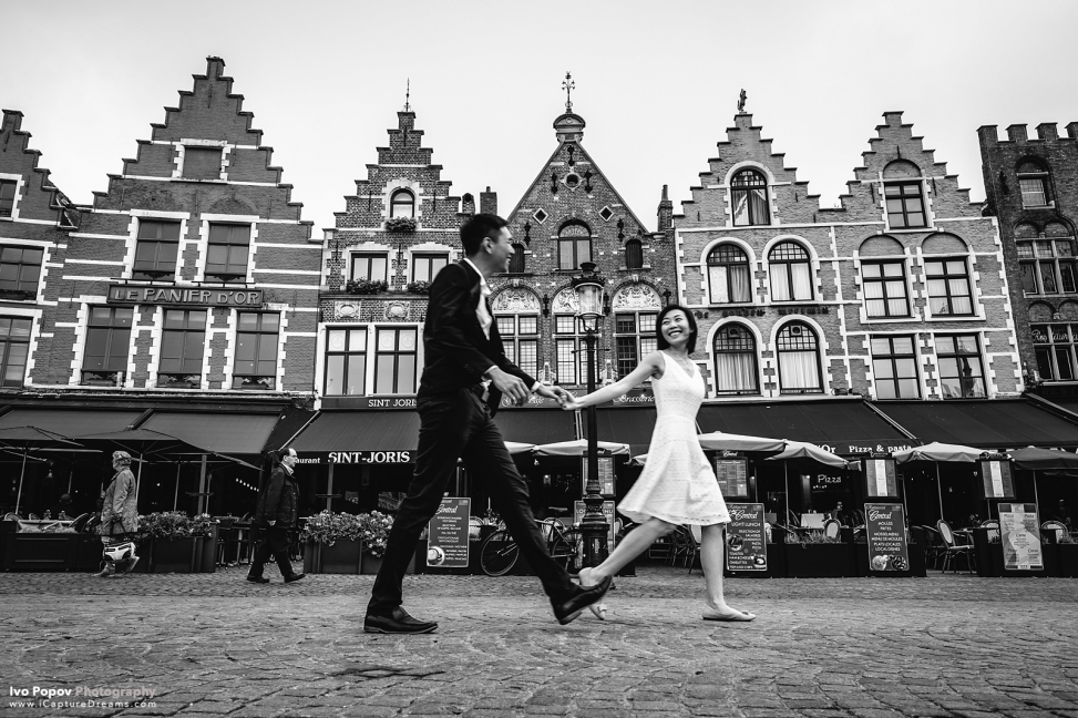 Fall pre-wedding photo session in Bruges - Photographer in Bruges