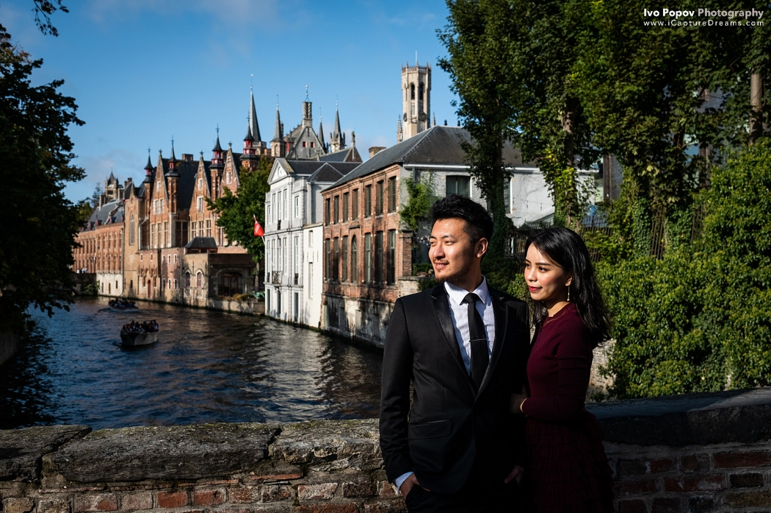 Engaged couple on a sunny day in Bruges