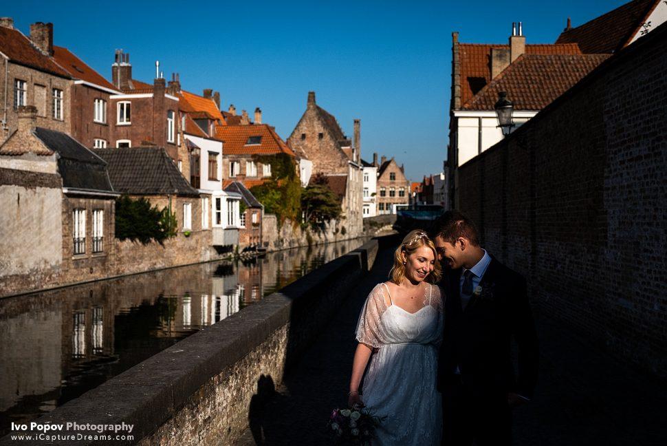 Late afternoon September wedding photo session in Bruges