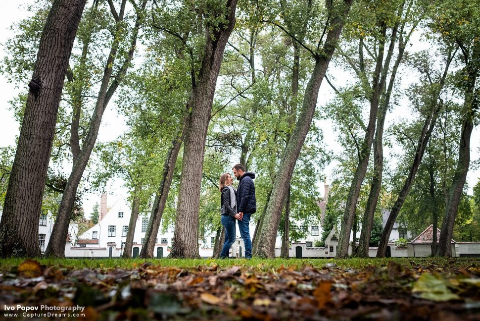 Couple photo session in Bruges in September
